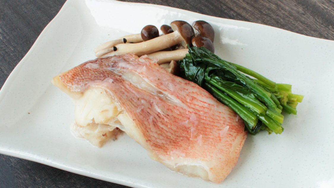 白身魚の塩麹蒸し